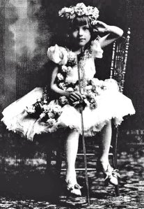 "Gladys Smith as ""The Littlest Girl"""